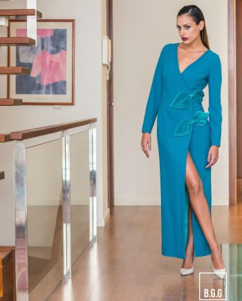 vestido largo cruzado en azul marina