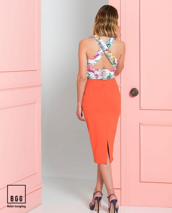 Top estampado y falda naranja Bianca