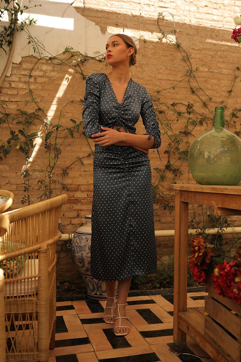 Vestido Fiesole realizado en satén con lunares