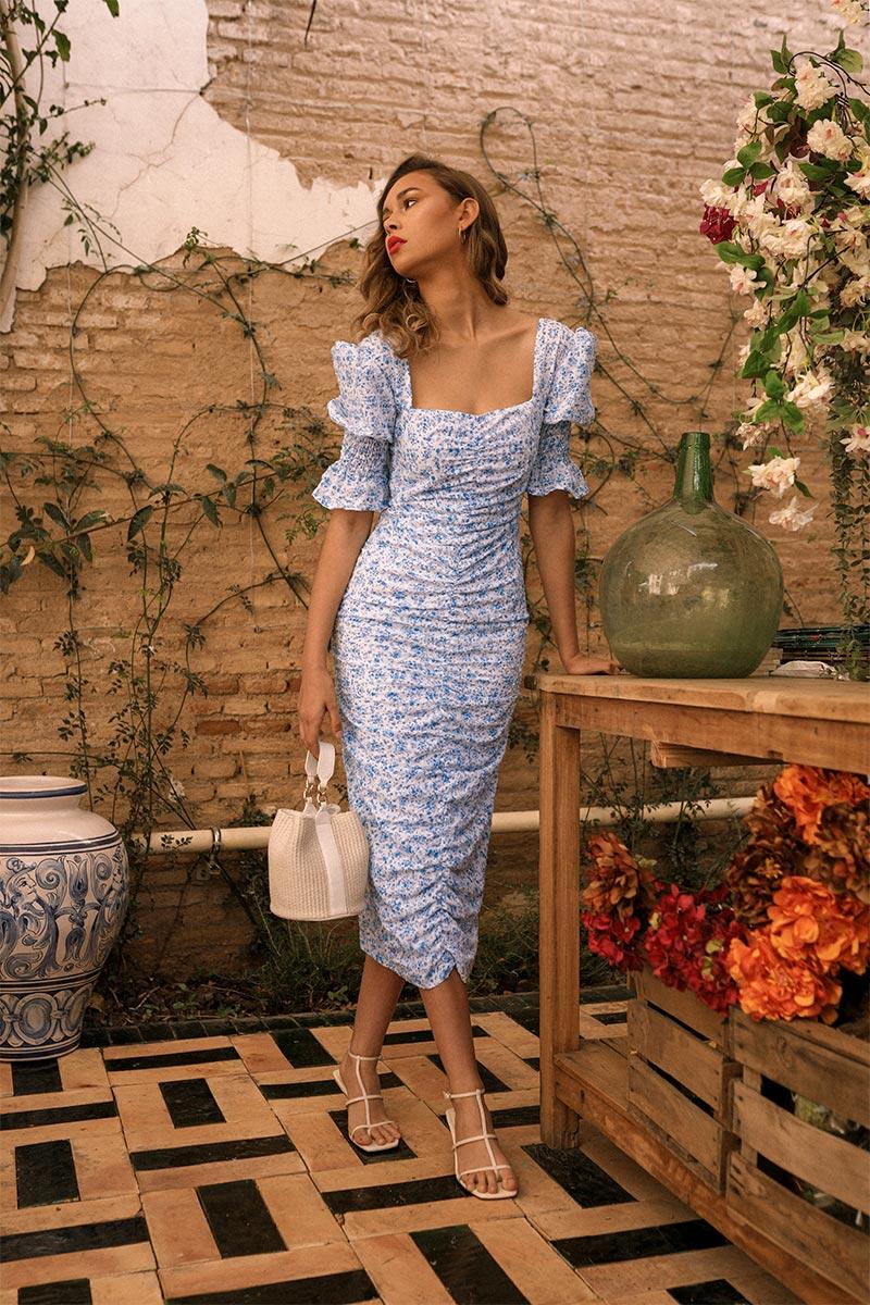 Vestido Vignoni, es una pieza de corte midi en algodón